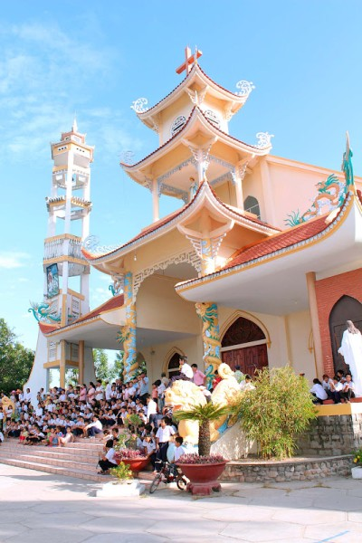 http://www.giaoxugiaohovietnam.com/NhaTrang/TanBinh/TanBinh-08142012-1.JPG