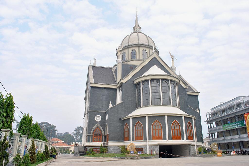 nhà thờ Phú Cường