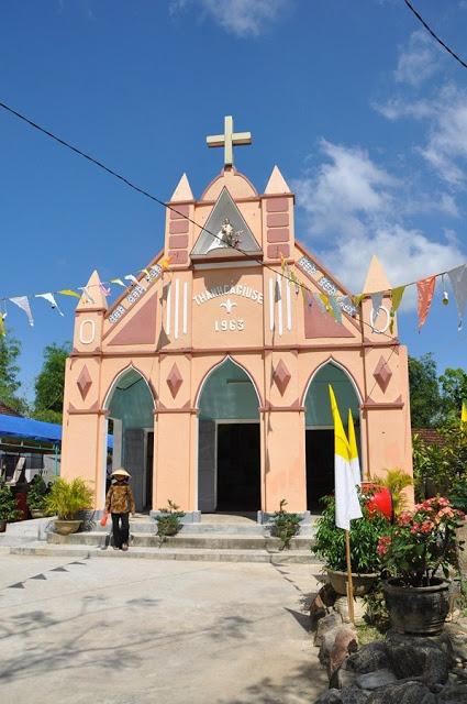 Lễ tạ ơn nhân ngày hoàn thành công trình tu sửa nhà thờ Dương Lăng